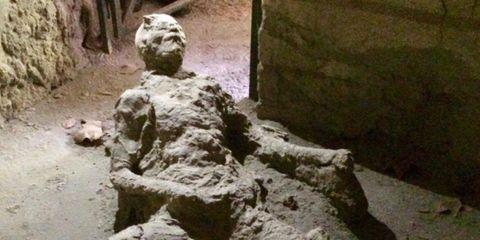 pompeii man masturbating before volcanic explosion