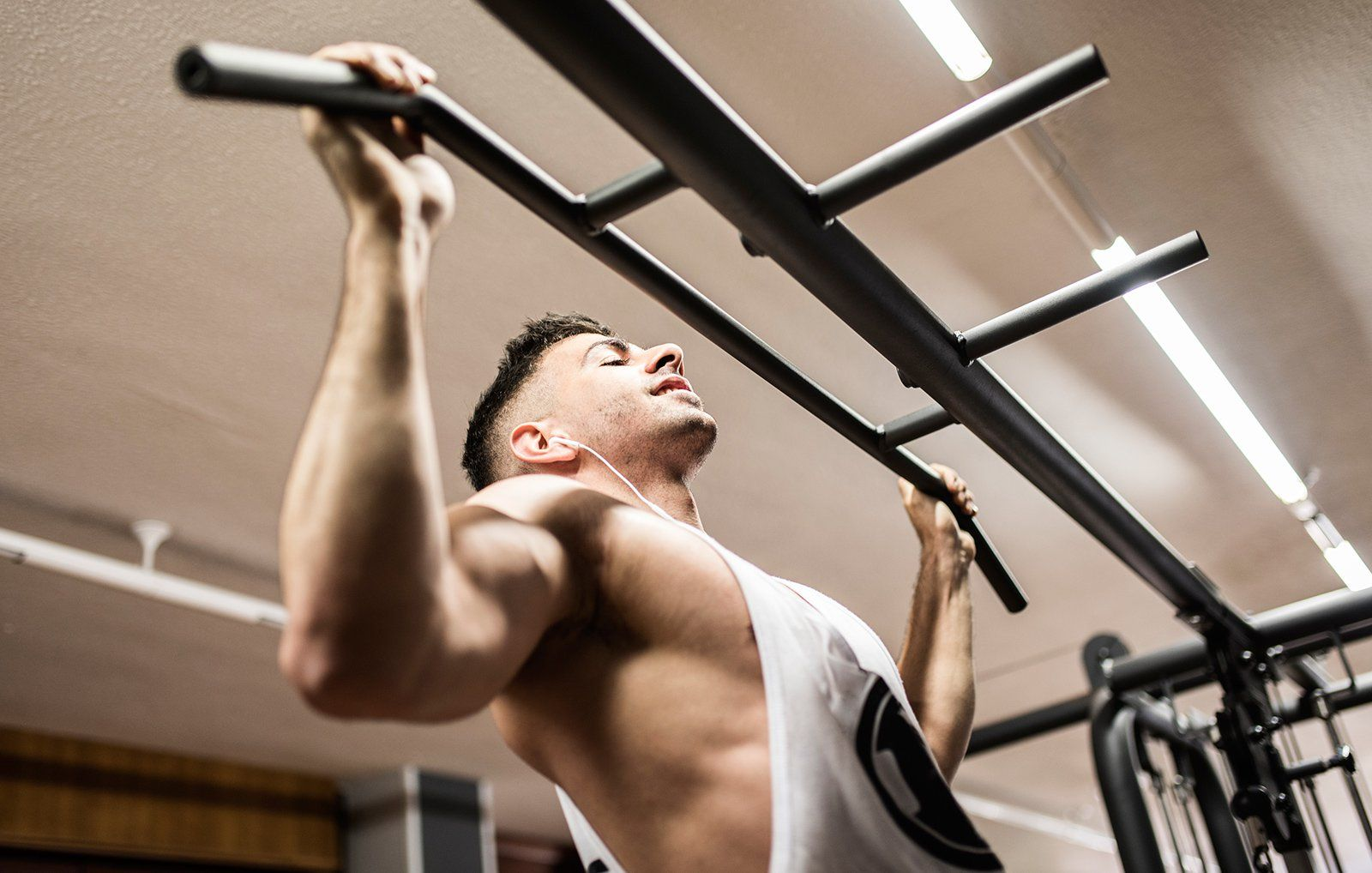 Pull up bar grip positions for sexual health