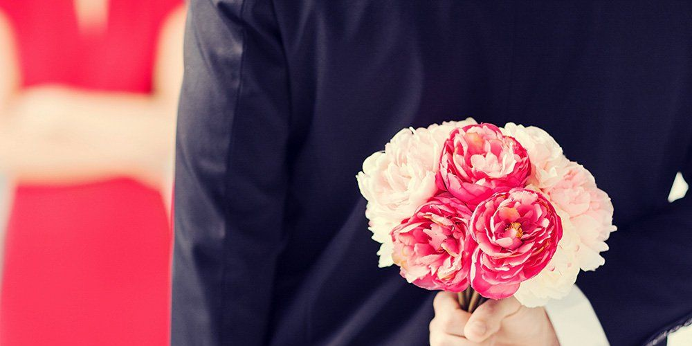 8 Incredibly Easy Ways to Be a Better Husband Today
