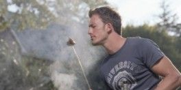 man-sniffing-barbecue-264x300.jpg