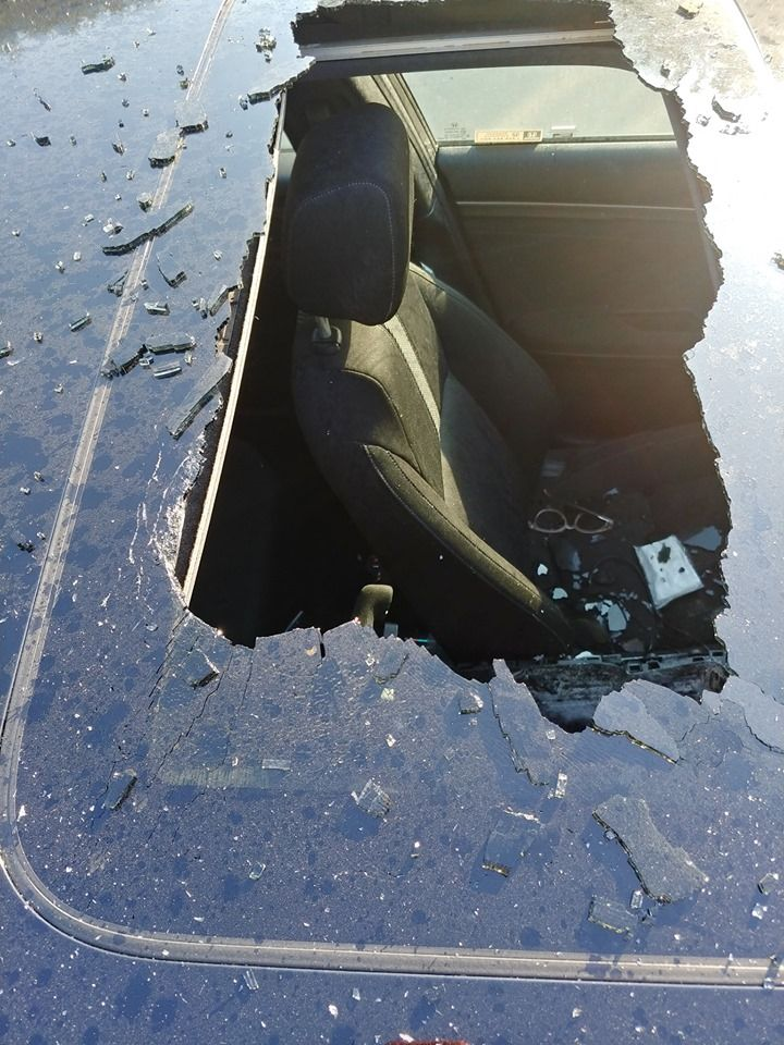 A Mom Warns Against Leaving Dry Shampoo In The Car After One Shattered Her Daughter's Sunroof