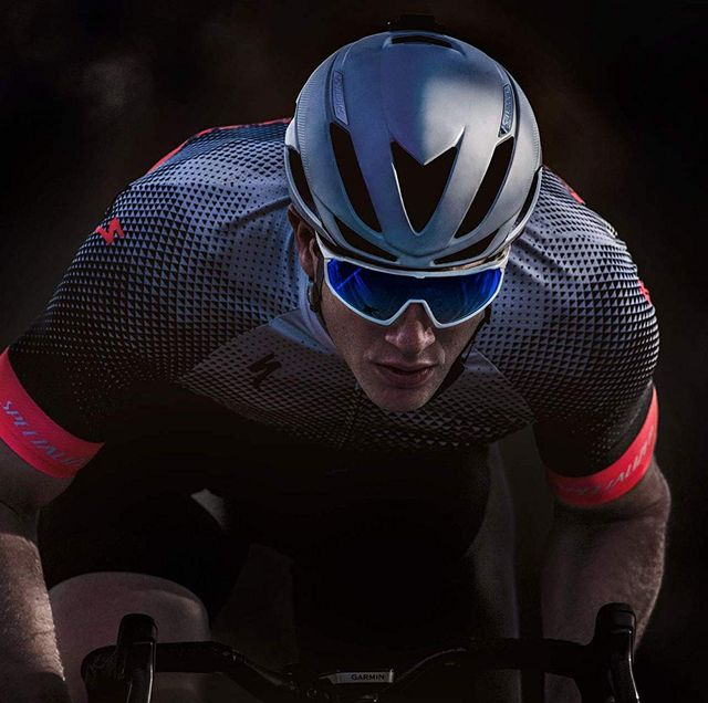 Helmet, Recreation, Personal protective equipment, Cycling, Individual sports, Endurance sports, Sports, Vehicle, Sports gear, Sports equipment,
