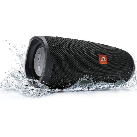 Save 90 Off Jbl Charge 4 Bluetooth Speakers Today On Amazon