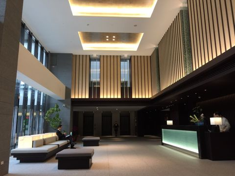 Lobby, Building, Ceiling, Interior design, Architecture, Room, Property, Lighting, Living room, House,