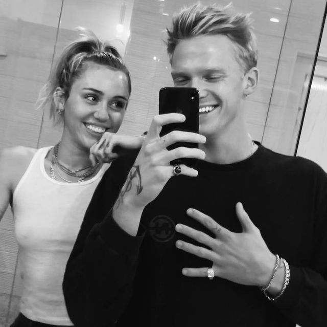 """Er, Miley Cyrus Flashes Her """"Boobies"""" to Cody Simpson So He Can Sing Better in the Studio"""