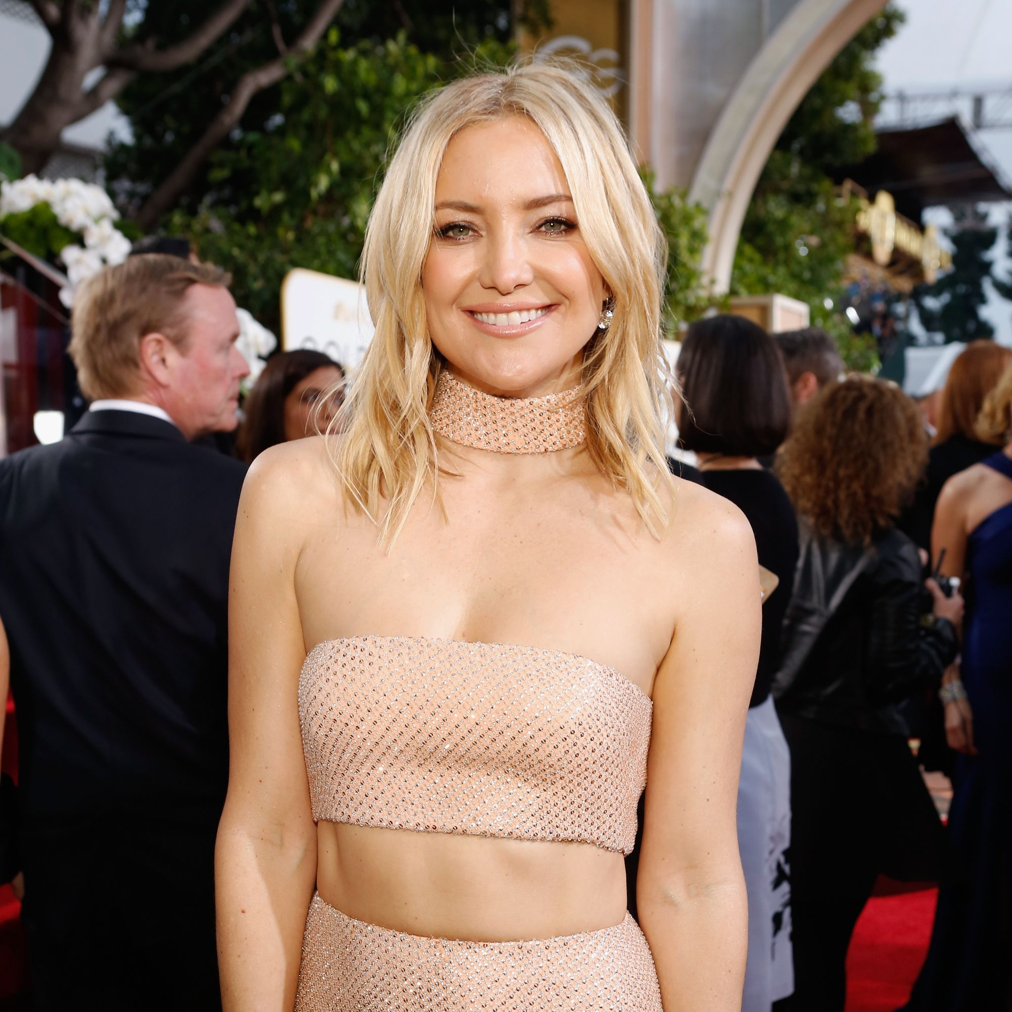 Kate Hudson Singing 'Shallow' While Doing Pilates Is The Video You Need To See To Believe