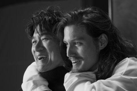周華健新專輯與兒子一同拍攝寫真