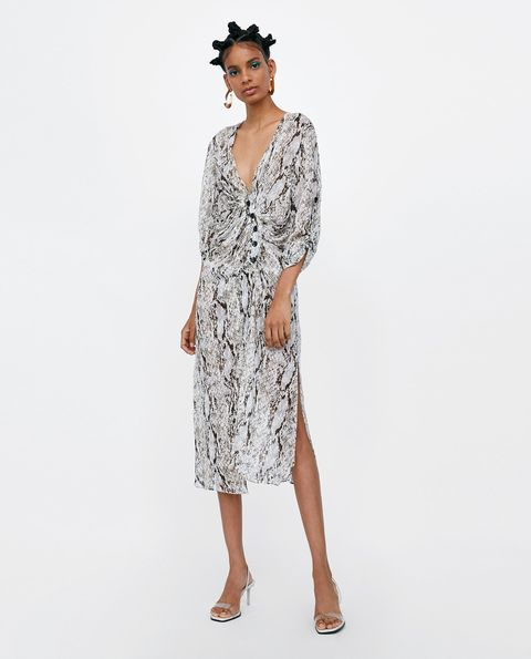 Clothing, Dress, Day dress, Sleeve, Fashion model, Neck, Fashion, Cocktail dress, Cover-up, Outerwear,
