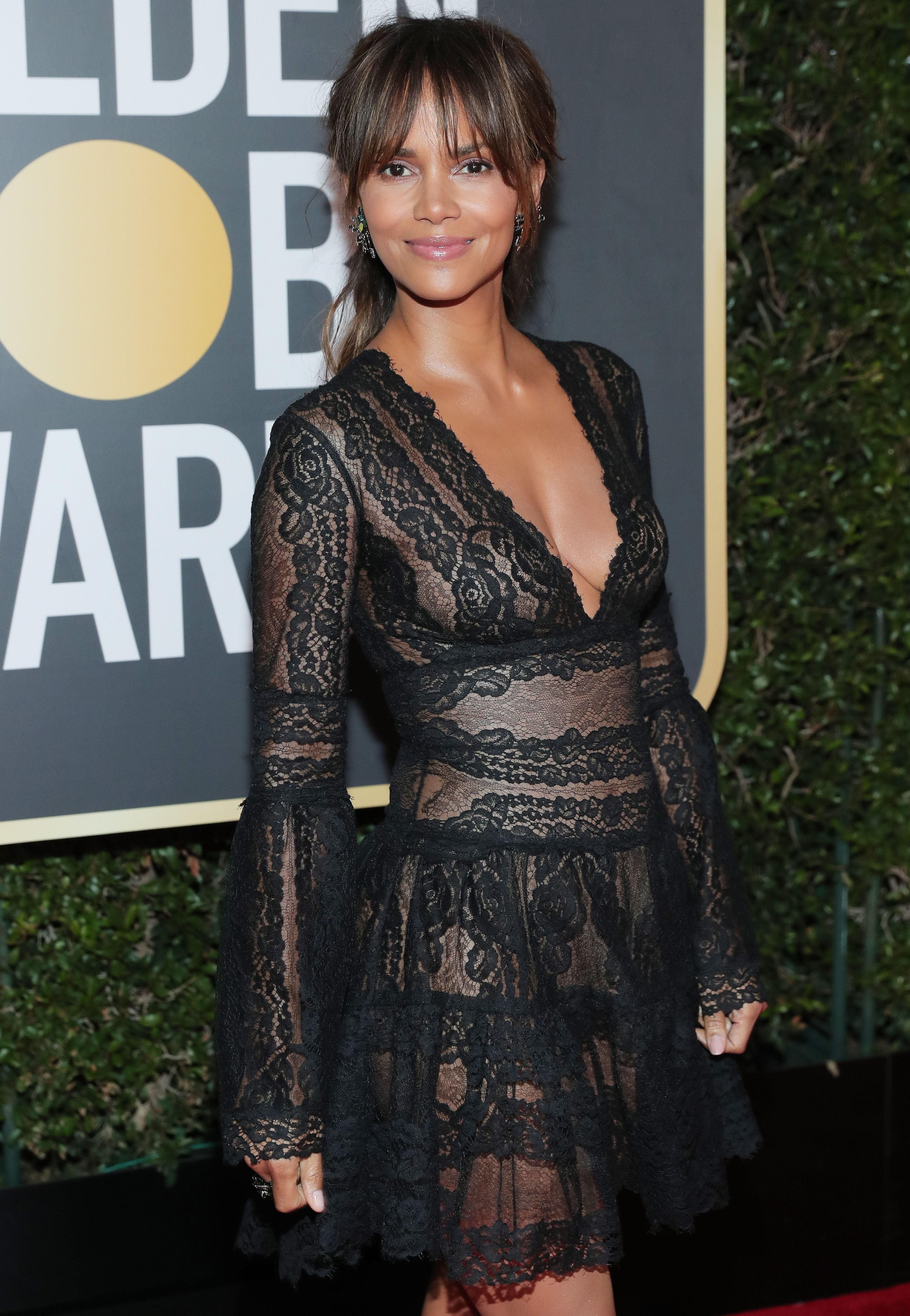 Halle Berry Swears By The Keto Diet—Here's Exactly What She Eats