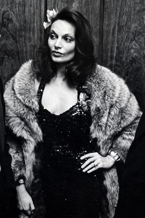 Fur clothing, Fur, Beauty, Fashion, Portrait, Black-and-white, Textile, Photography, Photo shoot, Outerwear,