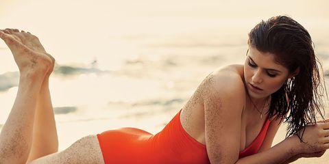 Alexandra Daddario baywatch workout