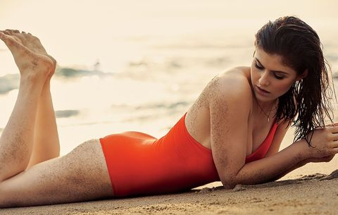 The Exact Circuit Workout Alexandra Daddario Did To Get 'Baywatch' Fit