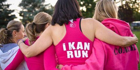 Hair, Sleeveless shirt, Pink, Magenta, Interaction, Active tank, Back, Blond, Undershirt, Ponytail,