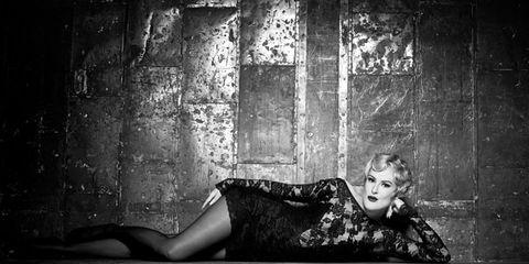 Monochrome, Darkness, Sitting, Monochrome photography, Black-and-white, Flash photography, Portrait photography, Photo shoot, Model, Art model,