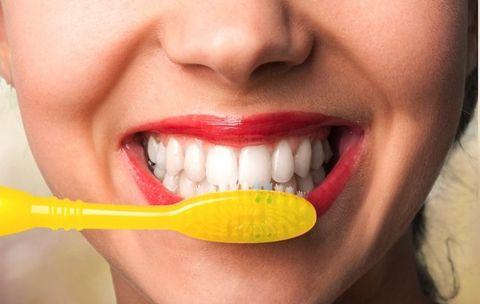 5 Ways You're Brushing Your Teeth Wrong