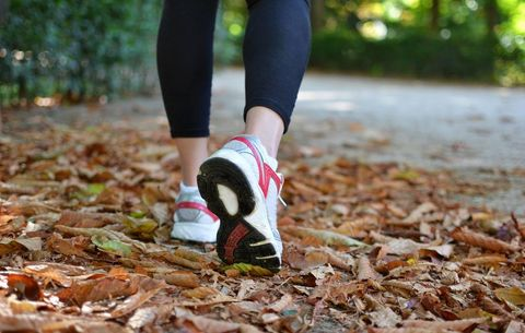 These 4 Walking Workouts Blast Calories in 10 Minutes or Less