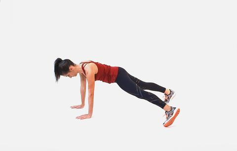 This Plank Variation Works Your Six-Pack Muscles And Side Abs At The Same Time