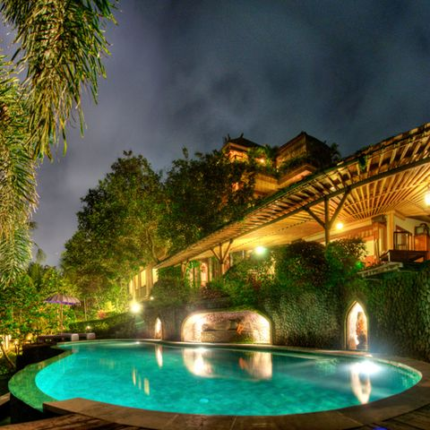 Lighting, Swimming pool, Property, Water, Real estate, Night, Resort, Water feature, Villa, Majorelle blue,