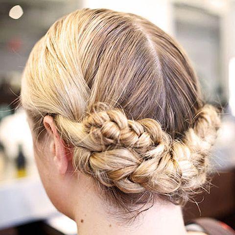 7 Gorgeous Ways To Style Wet Hair