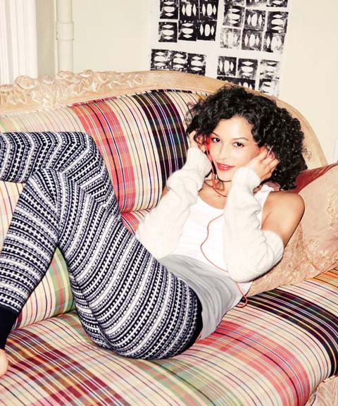 Graphic leggings and cozy arm warmers are low on effort, high on chic
