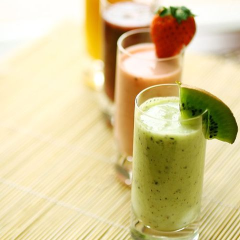 Detox Myth 1: Certain liquid diets can push out toxins.