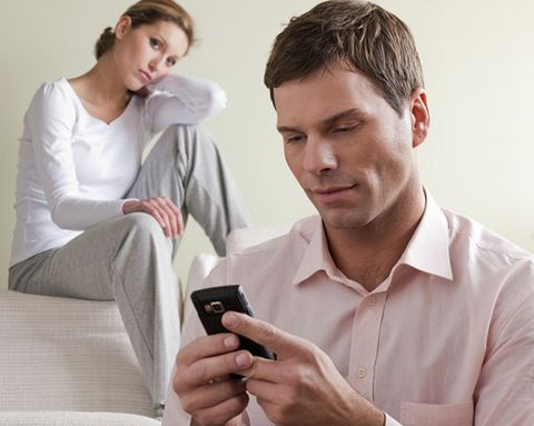 6 Signs He's Probably Cheating on You