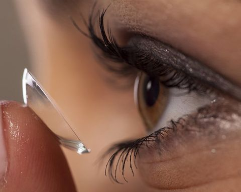 The Right Way to Apply—and Remove—Eye Makeup if You Wear Contacts