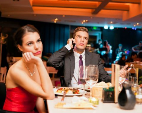 4 Tips for Politely Bailing On a Bad Date
