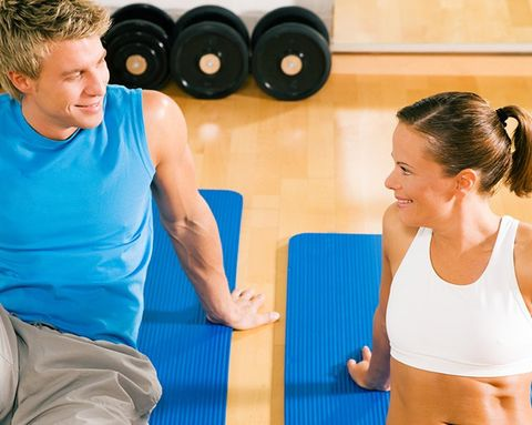 How to Hit on Someone at the Gym (Without Being Creepy)