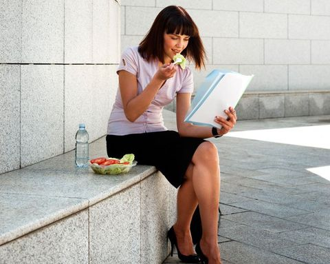 5 Healthy Habits to Prevent Weight Gain at Work