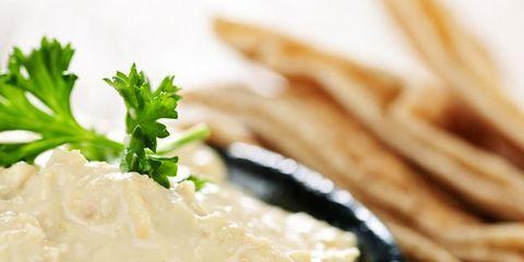 hummus-closeup.jpg