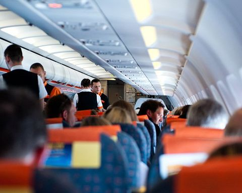 How to Prevent Your Body from Aching During a Long Plane Flight