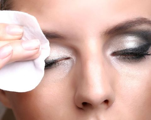 Q&A: What's Better For Your Skin: Face Wipes or Cleansers?