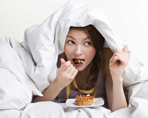 The Late-Night Snacking Mistakes That Are Wrecking Your Diet