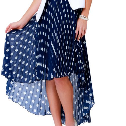 Flattering Skirts that Lengthen and Show Off Your Legs