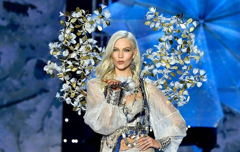 c99345a5cb Karlie Kloss Victoria s Secret Fashion Show 2017