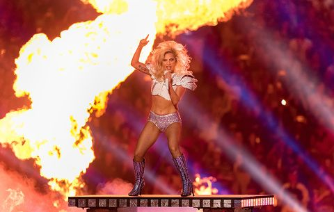 7 Photos of Lady Gaga¹s Abs Looking Amazing at the Super Bowl