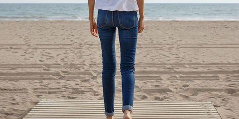 Wearing skinny jeans one week postpartum