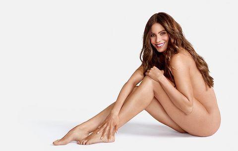 Sofia Vergara poses naked