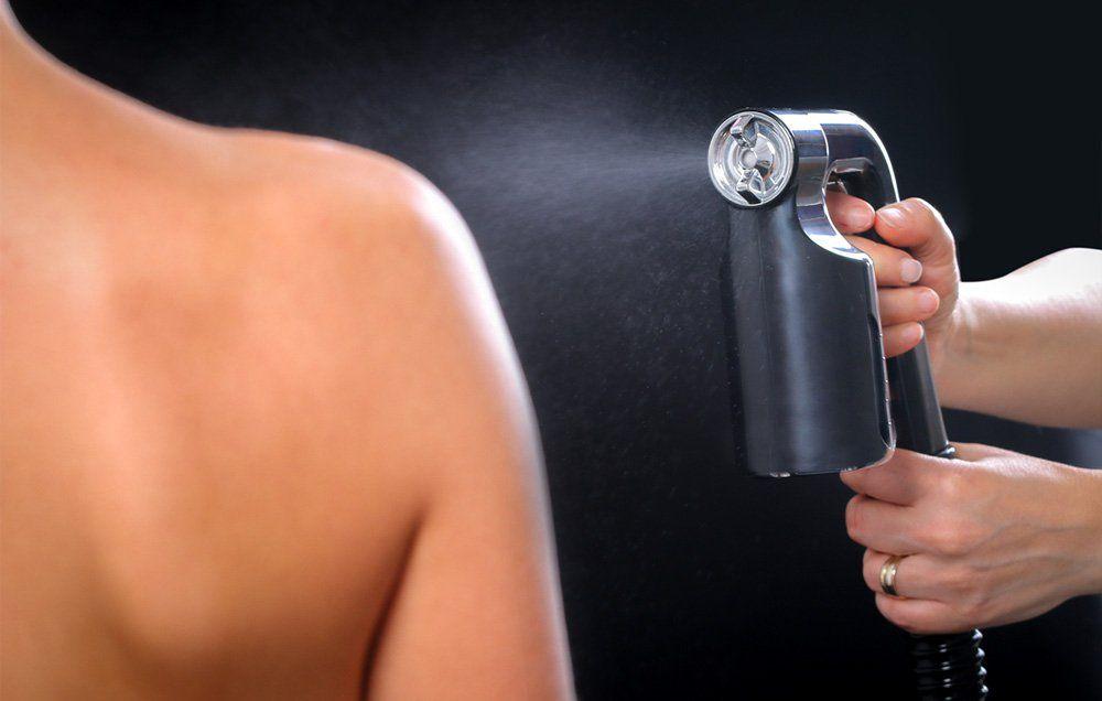 RANDI: Spray tan video nude