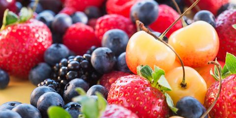 Natural foods, Food, Fruit, Sweetness, Public space, Produce, Berry, Frutti di bosco, Seedless fruit, Strawberry,