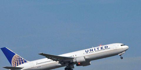 United Airlines leggings ban