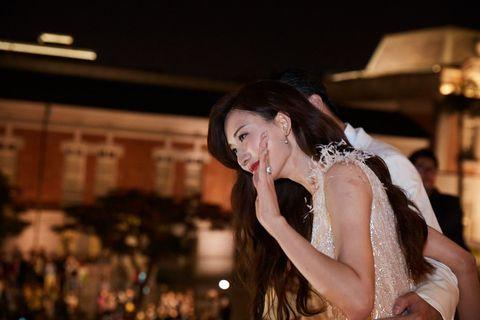 Photograph, Beauty, Yellow, Flash photography, Fashion, Dress, Photography, Black hair, Long hair, Event,