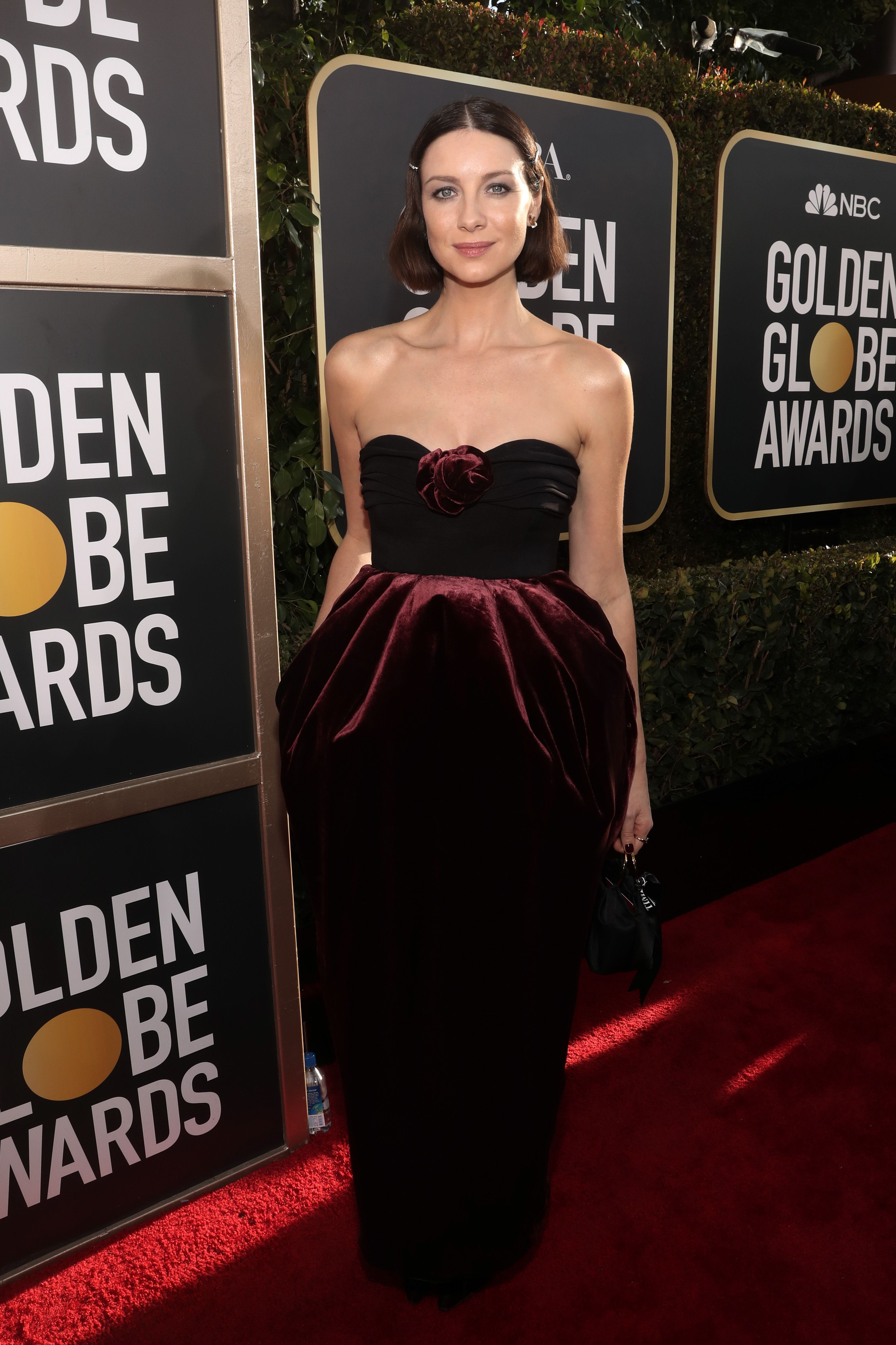 Outlander S Caitriona Balfe Dress At The 2019 Golden Globes Photos Of On Red Carpet