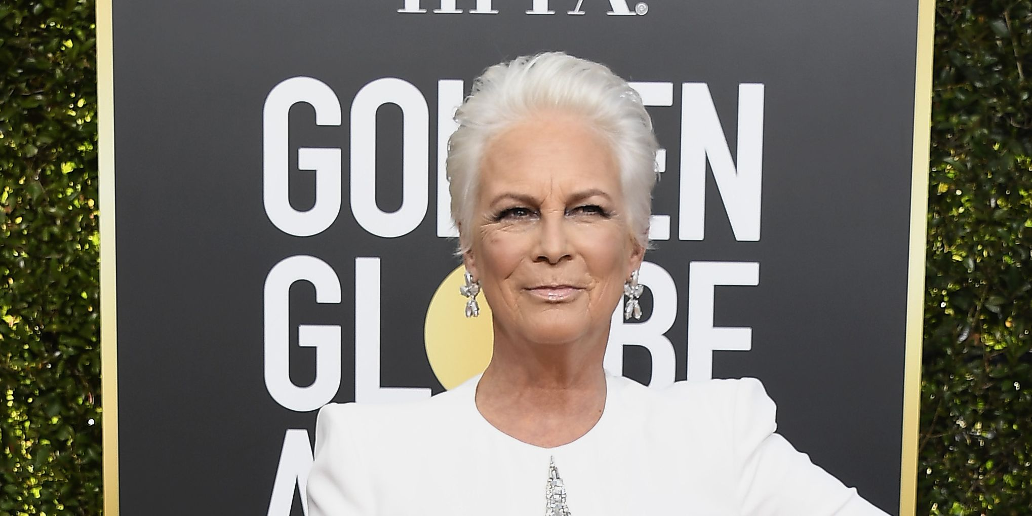 Everyone Is Going Crazy for Jamie Lee Curtis's Golden Globe Look