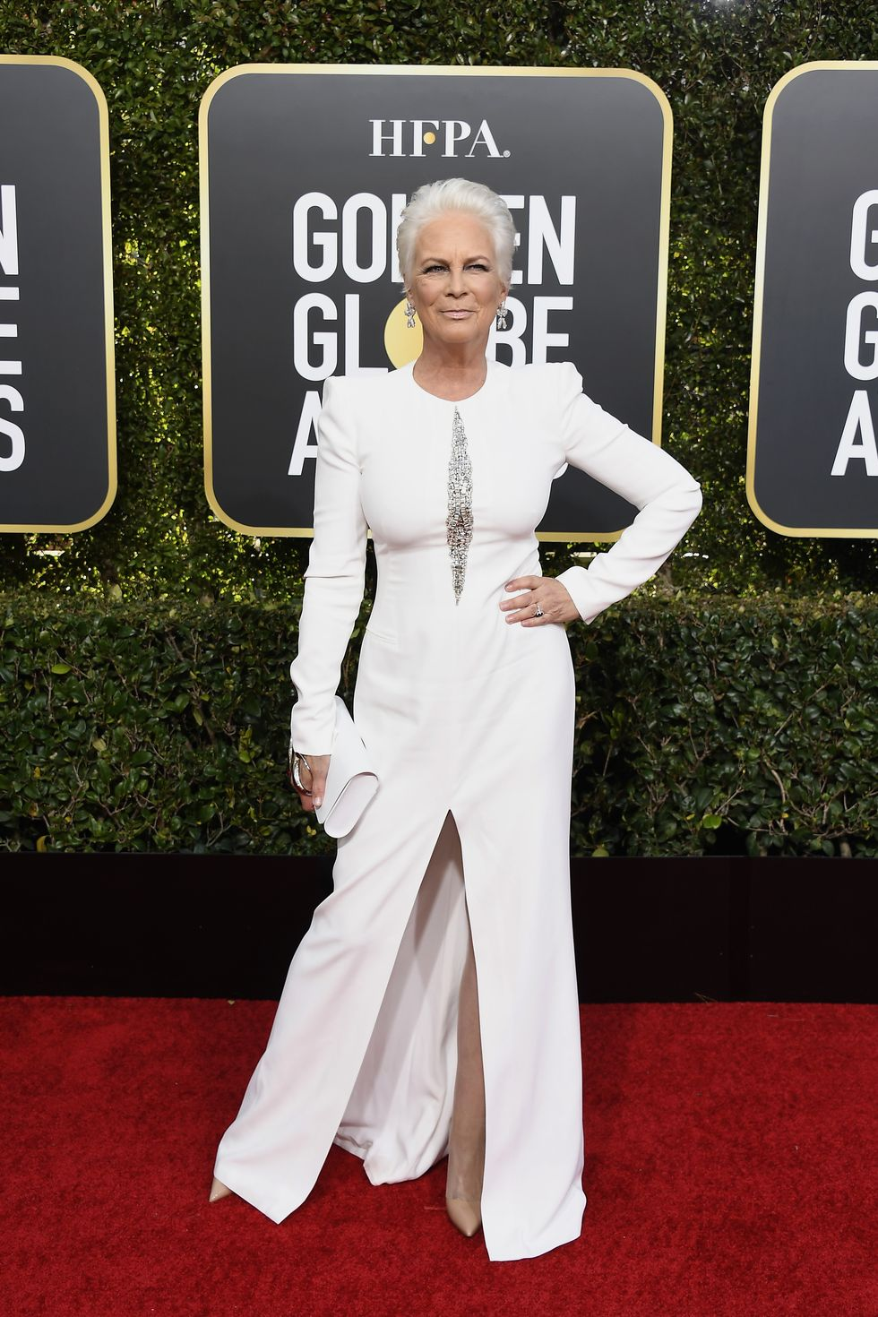everyone is going crazy for jamie lee curtis s golden globe look on zig