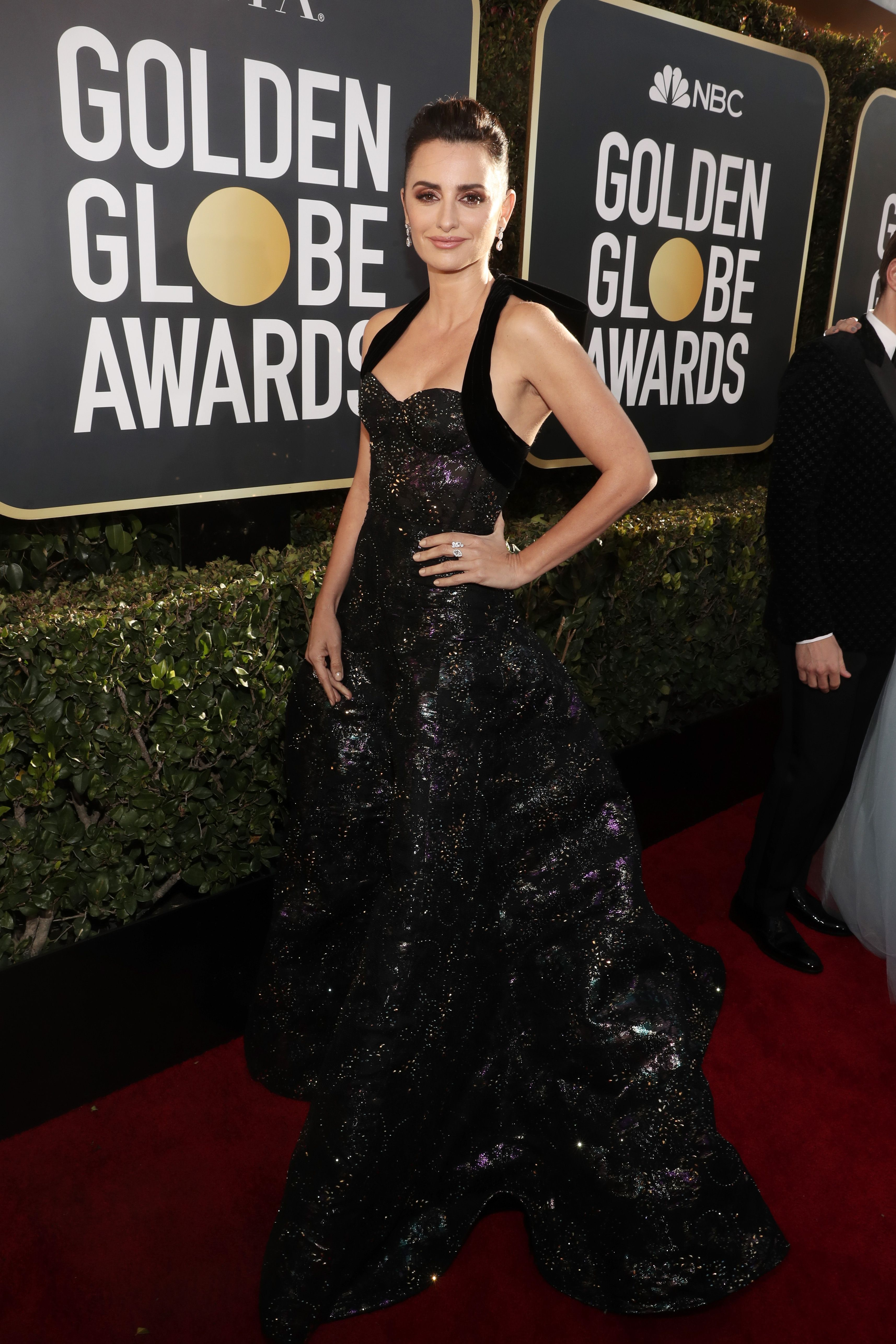 The Assassination of Gianni Versace Cast at the 2019 Golden Globes  See Penelope  Cruz 839e86c20