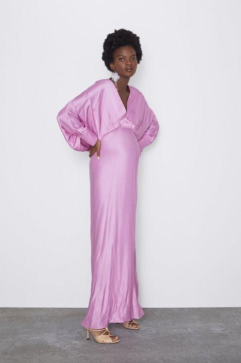 la mejor actitud 45ae3 834eb Zara tiene 7 vestidos premamá para ser la invitada mejor vestida