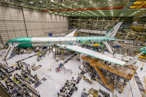 777X Flight Test Engine Install_3