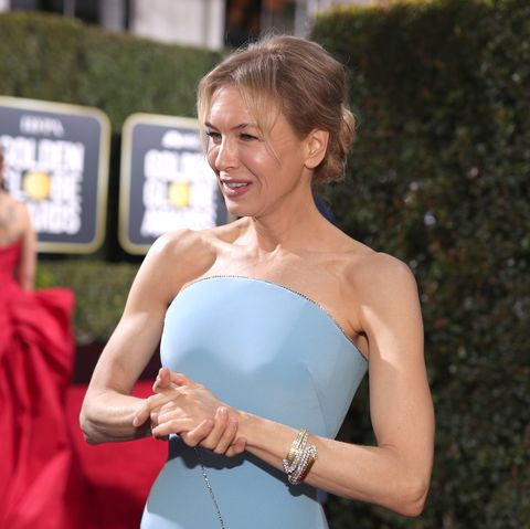 https://hips.hearstapps.com/hmg-prod.s3.amazonaws.com/images/77th-annual-golden-globe-awards-pictured-renee-zellweger-news-photo-1578283972.jpg?crop=0.668xw%3A1.00xh%3B0.151xw%2C0&resize=480%3A%2A